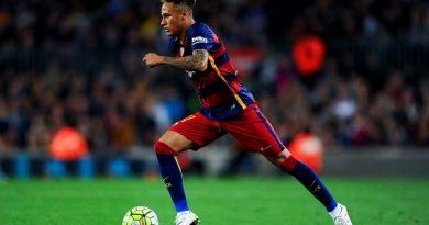 Neymar may mắn vì đã chọn nước Pháp thay vì xứ sở sương mù lắm tiền nhiều của.