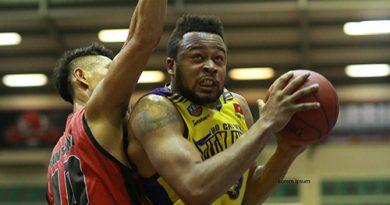 Tin bóng rổ: Chủ công không có phong độ cao, Warriors mất chuỗi thăng hoa