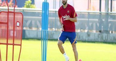 Tin chiều 16/9: Barcelona quyết định trao áo số 8 cho Pjanic